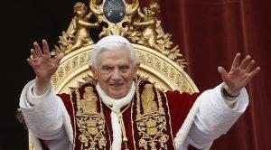 POPE GREETS CROWD AFTER DELIVERING CHRISTMAS 'URBI ET ORBI' MESSAGE AT VATICAN