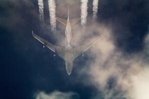 spryaing jet closeup