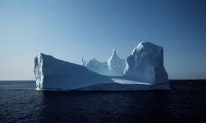 arctic-iceberg-006