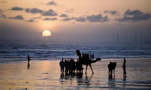 coastal-villages-in-pakistan-retreat-ahead-of-rising-seas